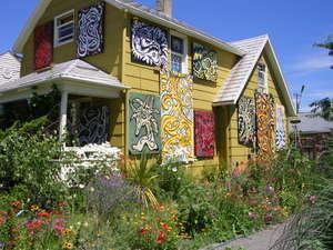 Georgetown_art_garden_walk_july_2_3
