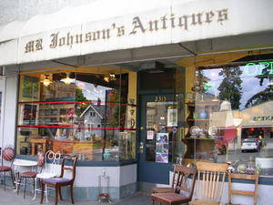 Montlakes_mr_johnsons_antiques